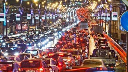Киевлян попросили не садиться за руль