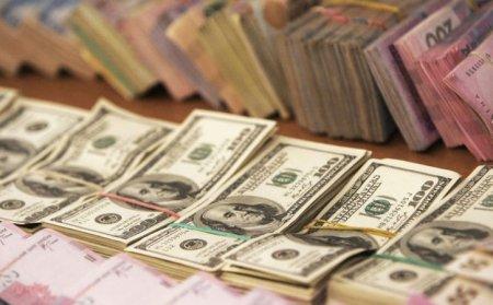 """Порошенко внес в Раду """"неотложный"""" законопроект о валюте"""