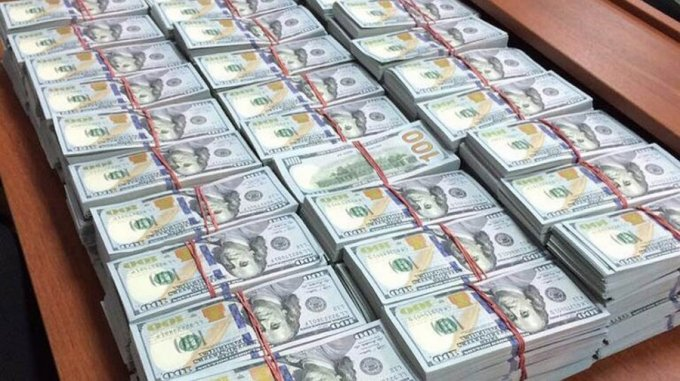 """За лето у коррупционеров конфисковали 700 гривен на """"вертолеты Авакова"""""""
