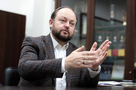 """После приватизации """"Укрспирта"""" работникам заводов помогут с переквалификацией"""