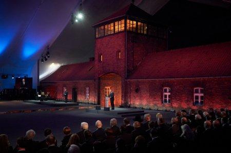 Владимир Зеленский принял участие в мероприятиях по случаю 75-летия освобождения нацистского концлагеря Аушвиц-Биркенау в Польше