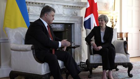Порошенко и Мэй обсудили ужесточение санкций против РФ